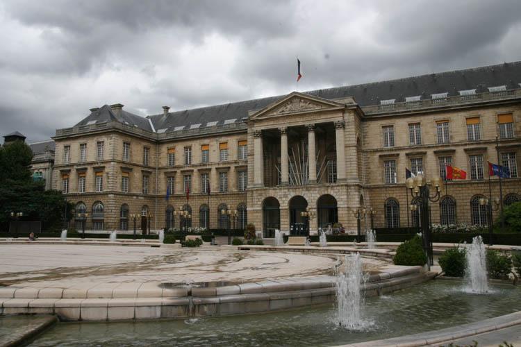 Rouen la gr ve des services municipaux se poursuit for Piscine rouen